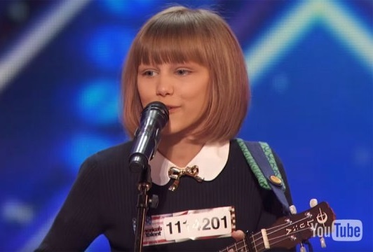 Thi sinh nhi American's Got Talent hat hon Taylor Swift hinh anh