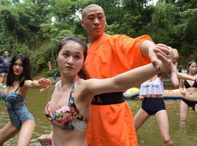 Su Thieu Lam day vo nu cuu ho gay tranh cai hinh anh