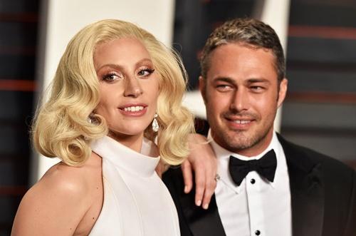 Lady Gaga chia tay chong sap cuoi hinh anh