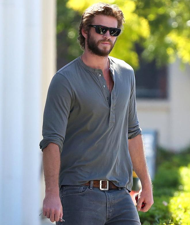 Phong cach thoi trang nam tinh cua Liam Hemsworth hinh anh 6