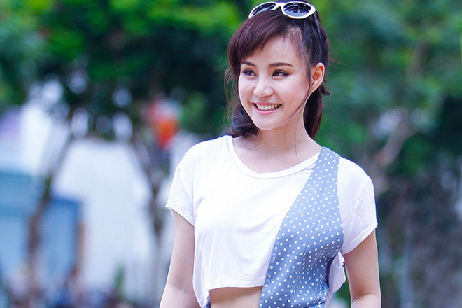 Vy Oanh an gian chieu cao voi phong cach duong pho hinh anh