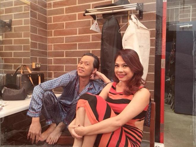 Hoai Linh mac pyjama binh dan di dien tai My hinh anh 2
