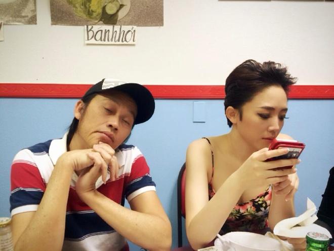 Hoai Linh mac pyjama binh dan di dien tai My hinh anh 5