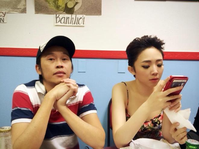 Hoai Linh mac pyjama binh dan di dien tai My hinh anh 6
