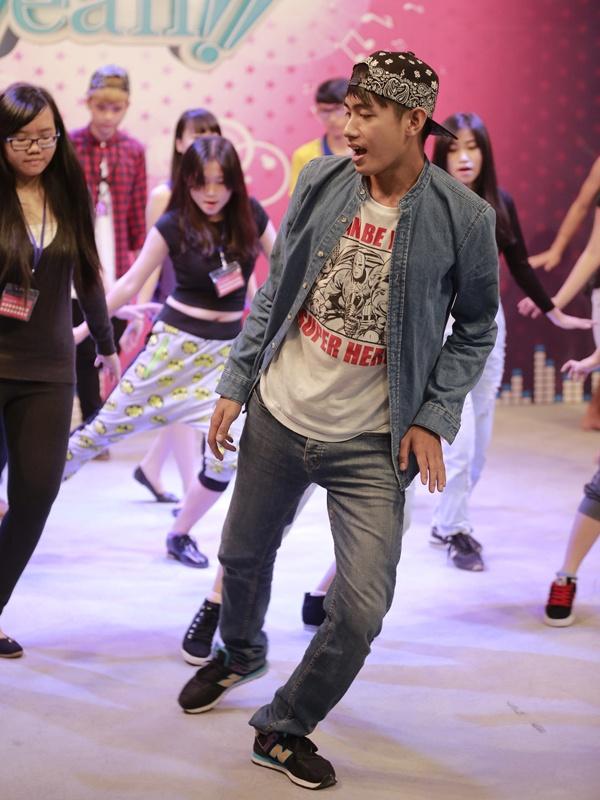 Quang Dang day fan vu dao 'Em cua ngay hom qua' hinh anh 5