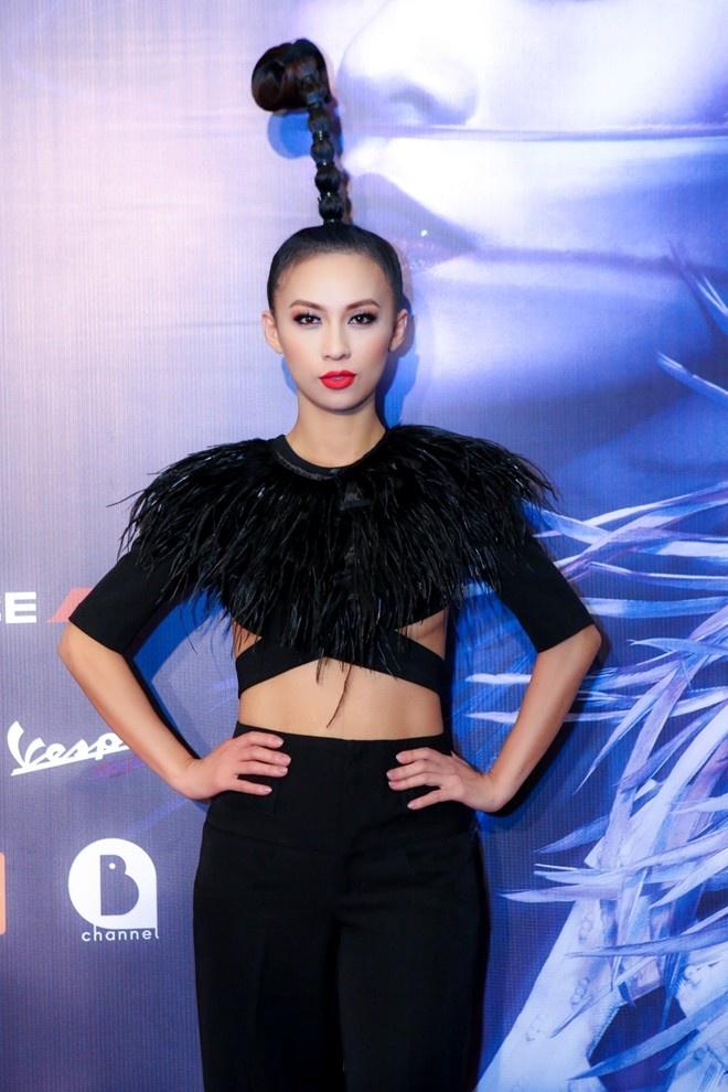 Huyen Ny - co nang MC tao bao nhat showbiz Viet hinh anh 2