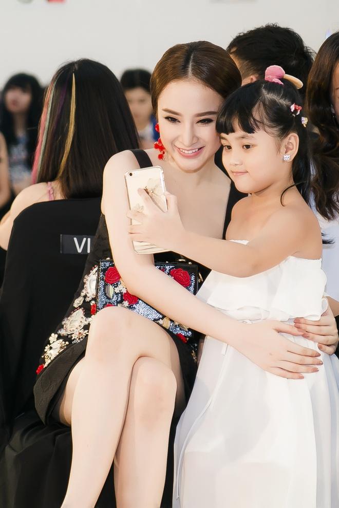 Angela Phuong Trinh - Quynh Anh quyen ru o tiec thoi trang hinh anh 3