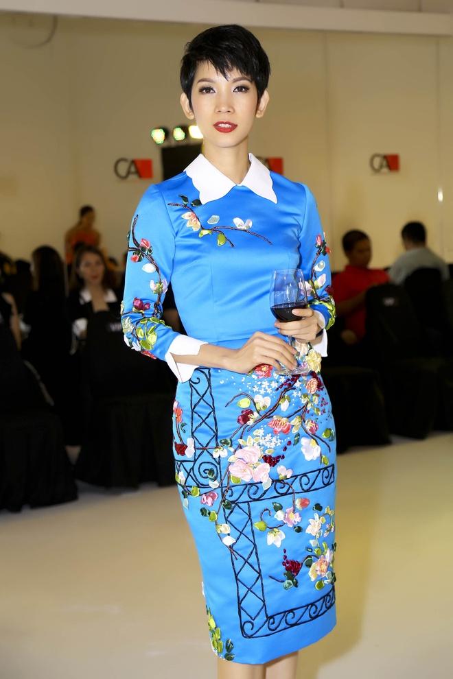 Angela Phuong Trinh - Quynh Anh quyen ru o tiec thoi trang hinh anh 7