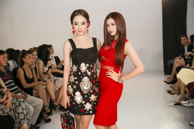 Angela Phuong Trinh - Quynh Anh quyen ru o tiec thoi trang hinh anh 4