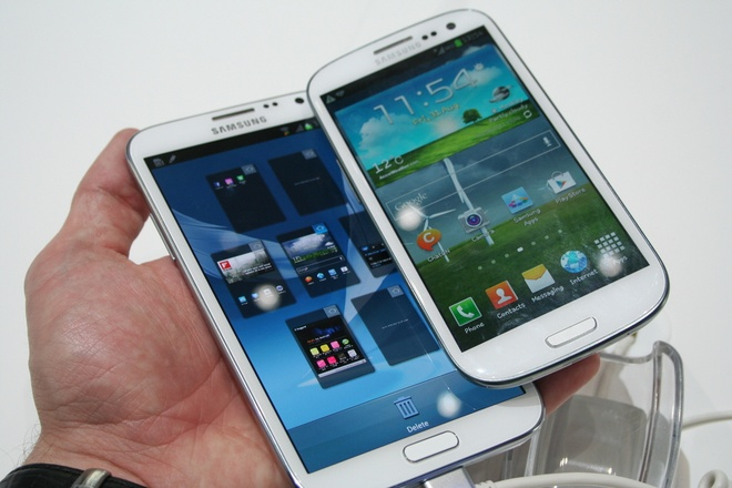 Samsung co the ra Galaxy Note III gia re voi man hinh LCD hinh anh 1
