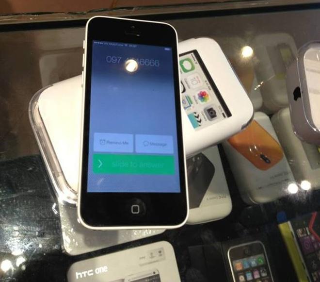 iPhone 5C da ve den Ha Noi voi gia 18 trieu dong hinh anh