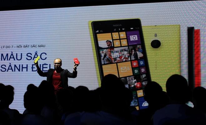 Nokia gui thong diep tro lai bang Lumia 1520 hinh anh