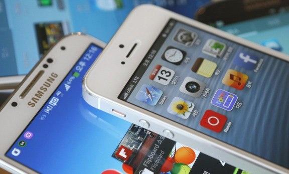 Samsung va Apple lai dat nhau ra toa hinh anh