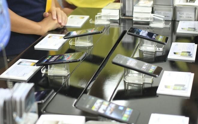 Smartphone thuong hieu Viet man hinh Full HD gia 6,5 trieu hinh anh 2