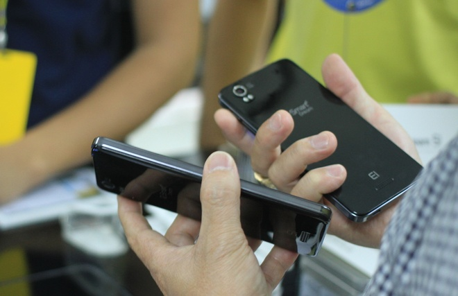 Smartphone thuong hieu Viet man hinh Full HD gia 6,5 trieu hinh anh 4