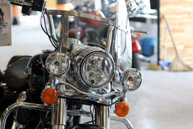 Harley-Davidson Road King Classic 2014 gia gan 1 ty o VN hinh anh 5 Đèn L.E.D và đèn pha halogen, đèn phụ và đèn tín hiệu cũng được nâng cấp.