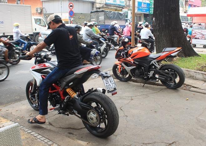 Vua duong pho Ducati Hypermotard 821 o Sai Gon hinh anh