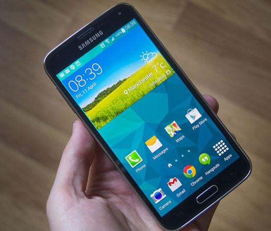 4 smartphone cao cap vua giam gia manh hinh anh 3