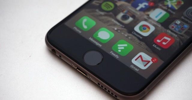 Sau su co uon cong, iPhone 6 Plus lai gap loi bi treo? hinh anh
