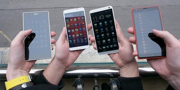 10 smartphone cau hinh tot, gia hoi dang ban o VN hinh anh