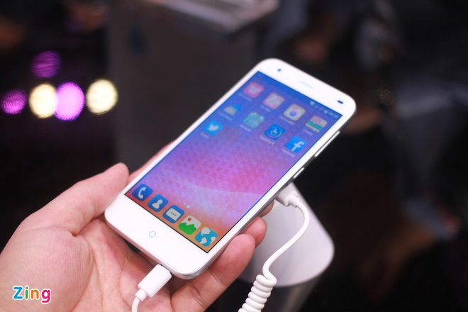 Smartphone Trung Quoc nhai iPhone 6 Plus tai MWC 2015 hinh anh 2