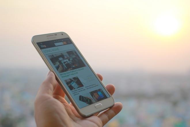 Danh gia Samsung Galaxy E7 hinh anh