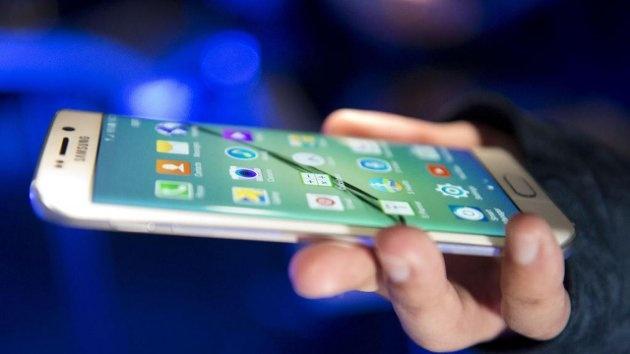 Man hinh cong tren di dong: Tu iPhone 6 den Galaxy S6 Edge hinh anh