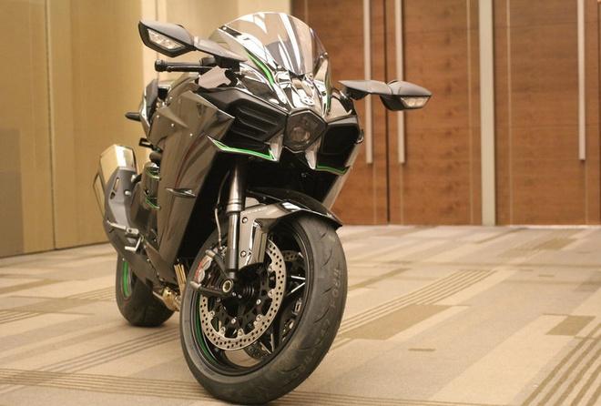 Can canh Kawasaki Ninja H2 chinh hang hinh anh