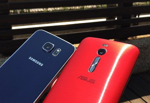 Galaxy S6 Edge va Zenfone 2 do sac pin nhanh hinh anh