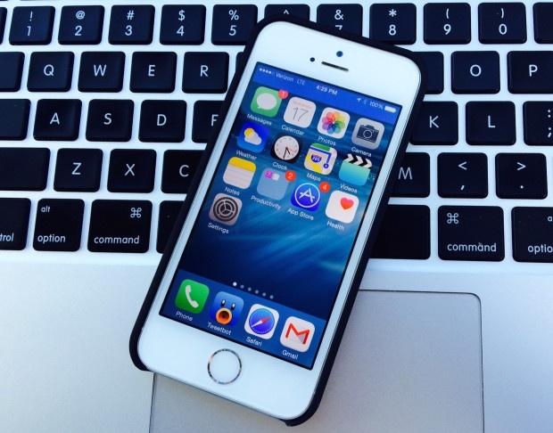 Doi logo mang tren iPhone chay iOS 8? hinh anh