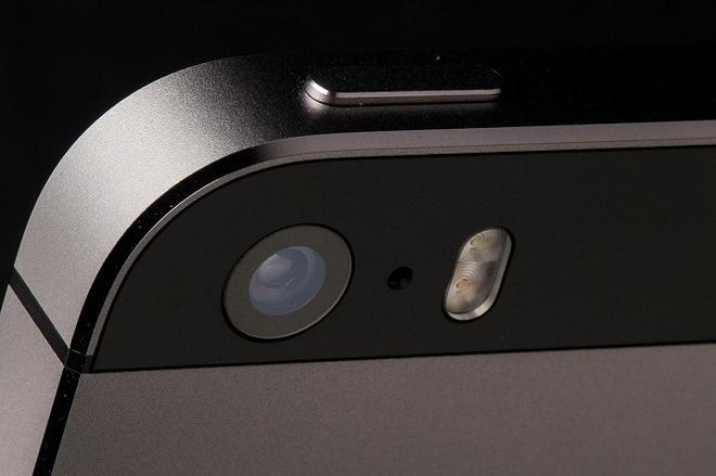 Meo bat 2 den flash cung luc tren iPhone hinh anh