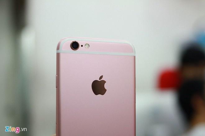 Trai nghiem nhanh iPhone 6S mau hong dau tien o VN hinh anh