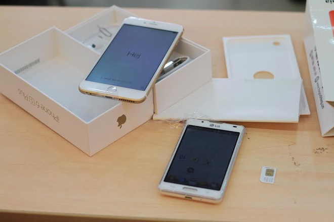 Vi sao nguoi Viet khong xep hang mua iPhone 6S chinh hang? hinh anh