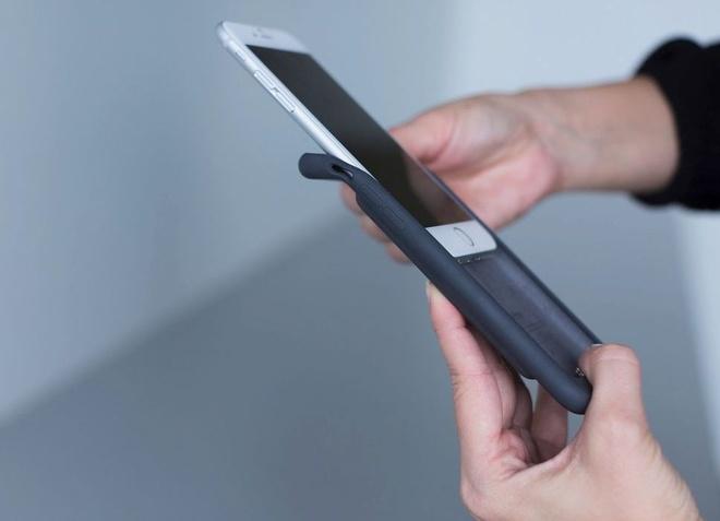 Vo iPhone xau xi: Chien thuat kiem tien cua Apple hinh anh