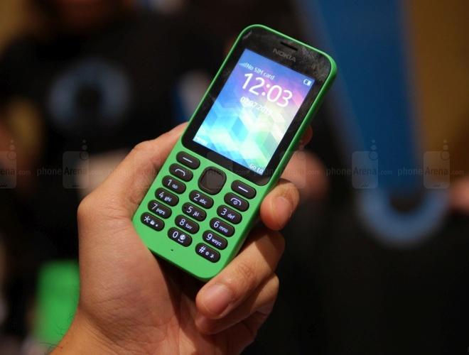 Microsoft ban mang dien thoai co ban Nokia cho Foxconn hinh anh