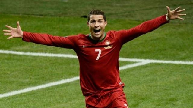 Cho Ronaldo toa sang hinh anh