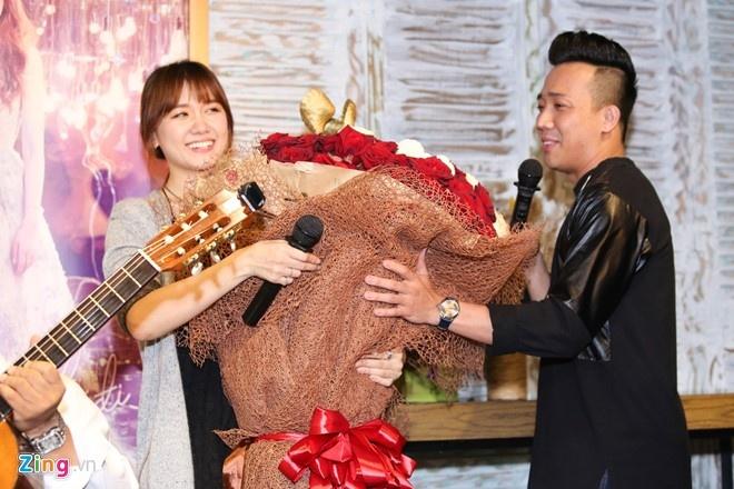 Anh cu di di - Tran Thanh song ca Hari Won hinh anh