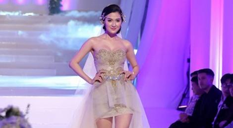 Thi sinh doi Pham Huong catwalk the nao? hinh anh