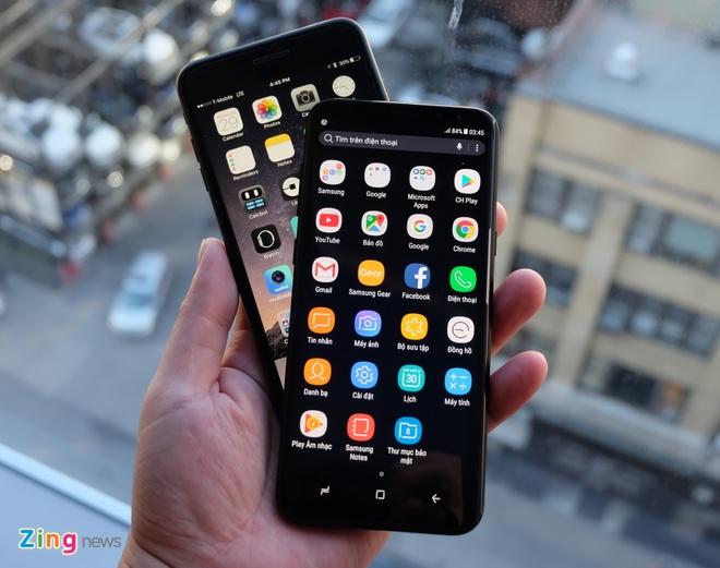 Galaxy S8+ so dang iPhone 7 Plus: Nho hon du man hinh lon hinh anh