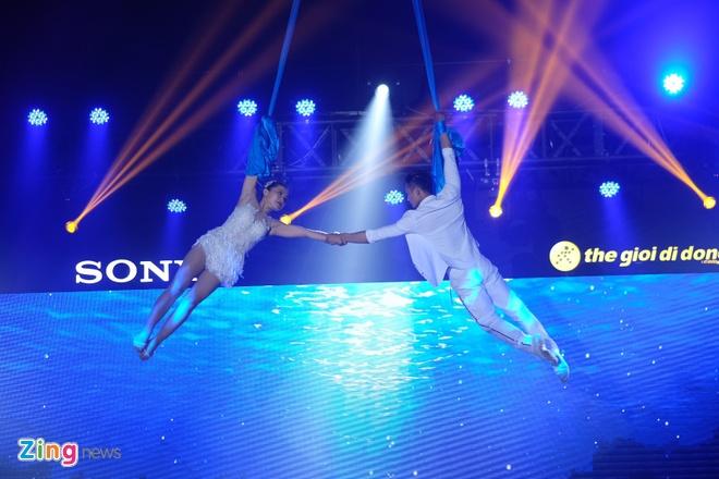 Sony Xperia XZs den tay nguoi dung Viet trong su kien mau sac hinh anh 4