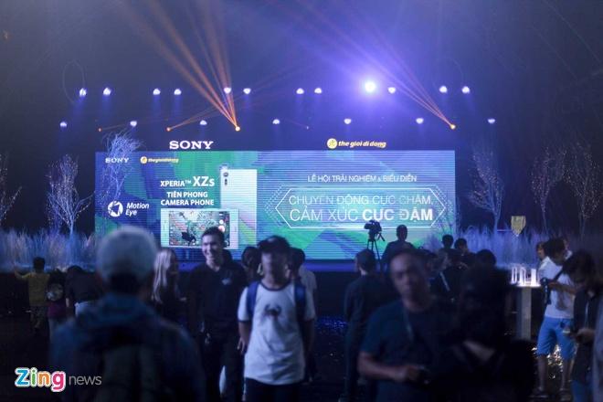 Sony Xperia XZs den tay nguoi dung Viet trong su kien mau sac hinh anh 1