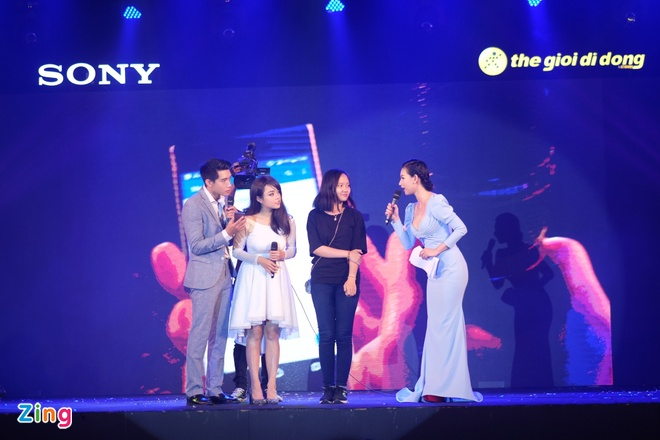 Sony Xperia XZs den tay nguoi dung Viet trong su kien mau sac hinh anh 10