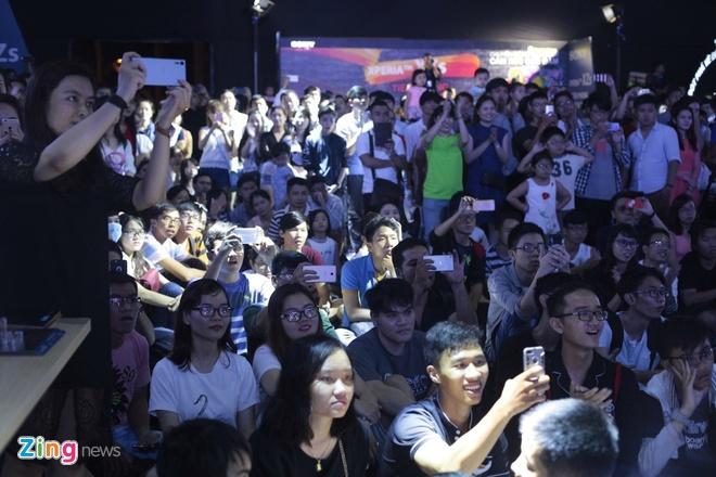 Sony Xperia XZs den tay nguoi dung Viet trong su kien mau sac hinh anh 15