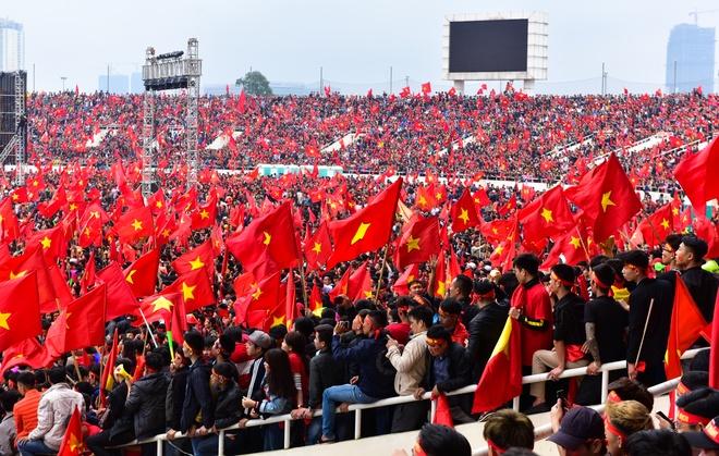 Fan Viet 'no tung' voi ban thang cua Quang Hai hinh anh