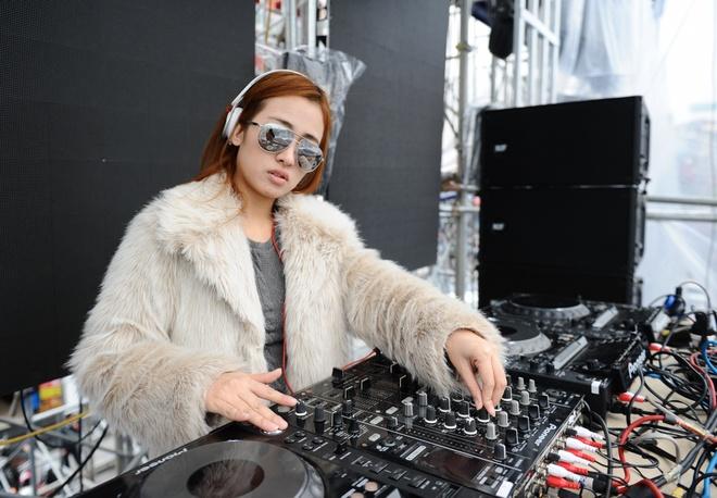 Mot ngay song trong am nhac cua DJ Trang Moon hinh anh 1