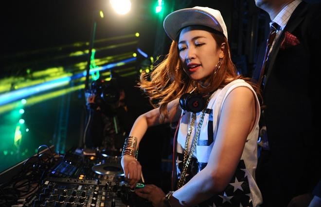 Mot ngay song trong am nhac cua DJ Trang Moon hinh anh 10