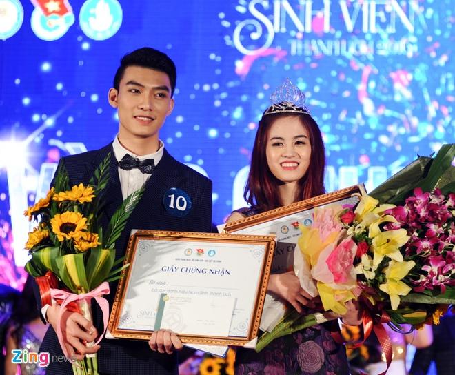 Nu sinh Tai chinh khoe dang chuan trong trang phuc the thao hinh anh 16