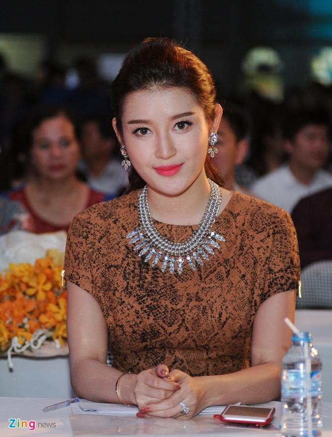 Nu sinh 21 tuoi tro thanh hoa khoi Dai hoc Lao dong - Xa hoi hinh anh 2