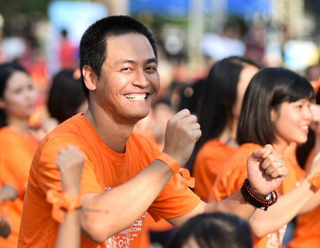 Phan Anh, Ngoc Han cung 5.000 ban tre nhay vi su tu te hinh anh