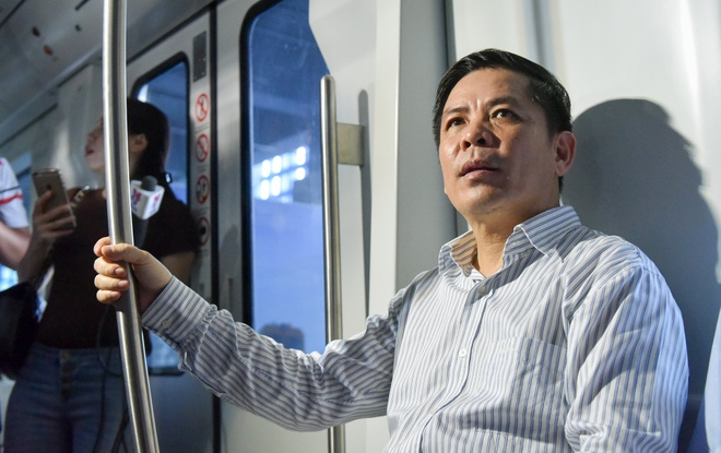 Bo truong GTVT di thu tau duong sat tren cao Cat Linh - Ha Dong hinh anh